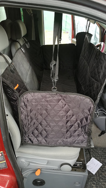 Kinderbett im Auto