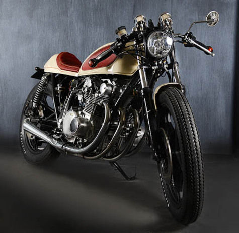 Suzuki GS550 Cafe Racer Cream