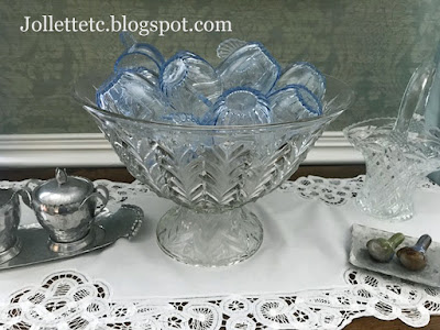 Jeannette Feather punch bowl with Ice Blue Radiance on top https://jollettetc.blogspot.com