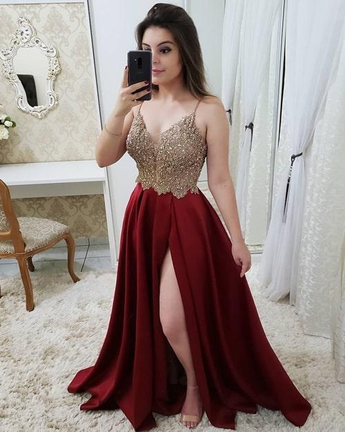 vestido marsala estilo princesa com fenda