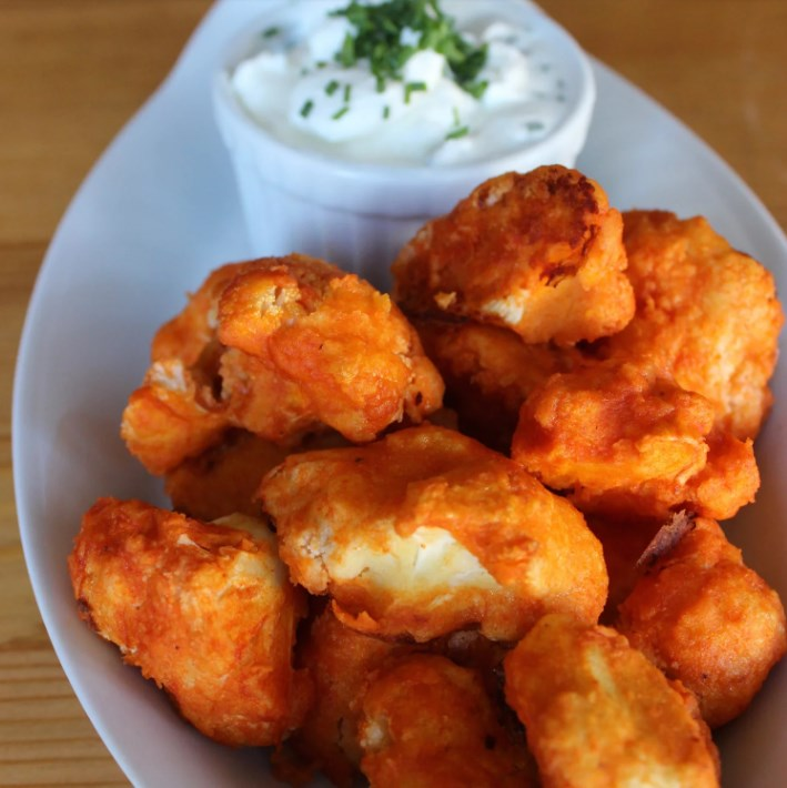 "Prepare to Be Fooled by These Crispy Cauliflower Buffalo ""Wings"" #vegetarian #delicious"