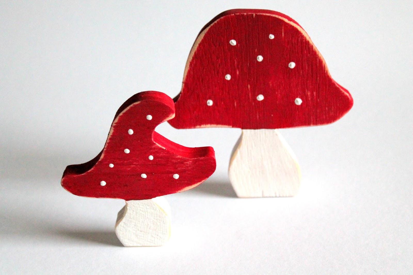 DIY, Basteln: Fliegenpilze Shabby Chic aus Holz als Herbstdekoration und Wohndekoration - DIYCarinchen