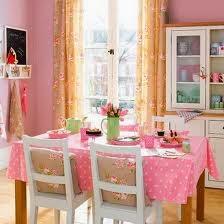 Diseño de comedor rosa