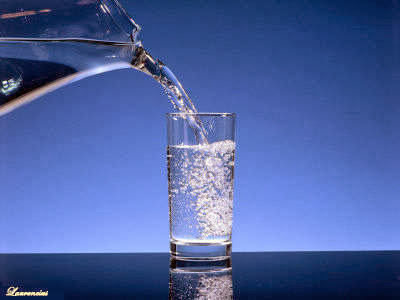21 Manfaat Banyak Minum Air Putih Bagi Kesehatan