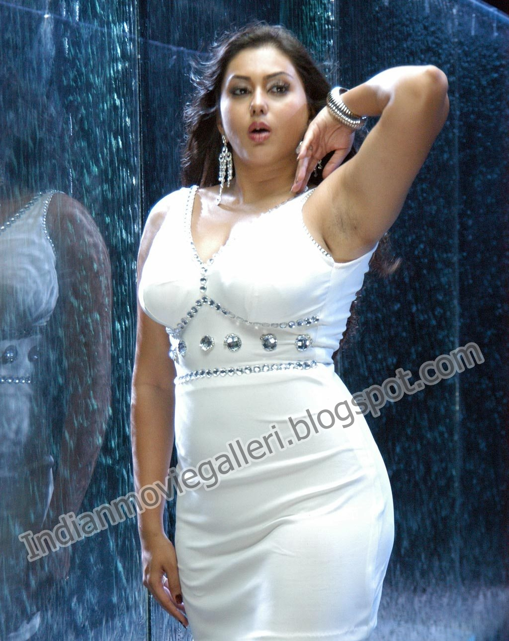 Namitha Hot Spicy Sexy Navel Stills Images And Pictures -7400