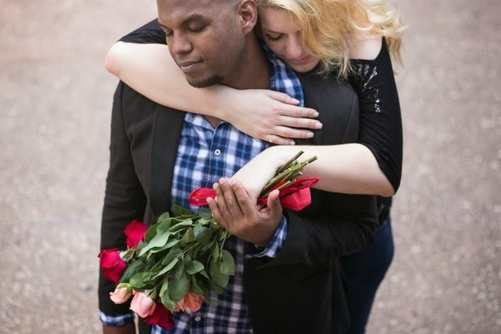 pedido-casamento-surpresa-praça-liberdade-noivos-8