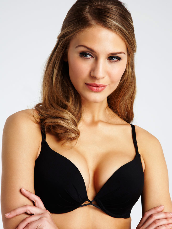 Cleavage Bra - If you are not a fan of such an XXX cleavage, there are many alternatives  available in La Senza. I would be more inclined to recommend the 3-way gel  bra ...