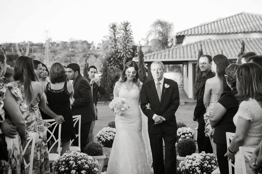 casamento-sitio-entrada-noiva