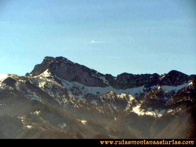 Ruta Requexón Valdunes, la Senda: Vista del Cantu del Oso
