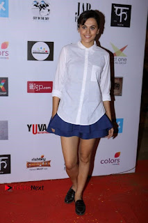 Actress Taapsee Pannu Pos in Mini Skirt at Colours Khidkiyaan Theatre Festival  0002.jpg
