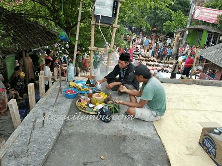 Bancakan di Jembatan Modular Cirebon