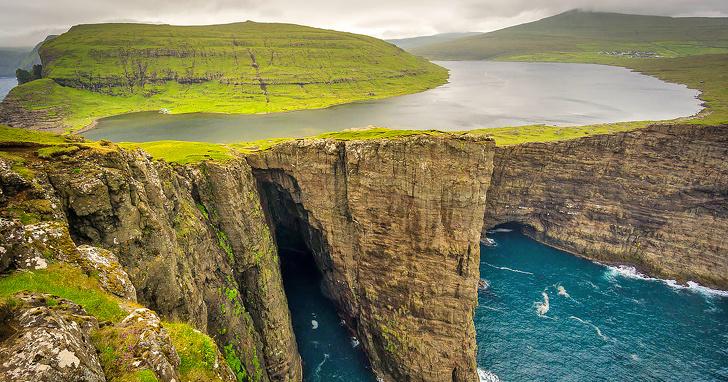 Danau Sørvágsvatn, Kepulauan Faroe, Denmark