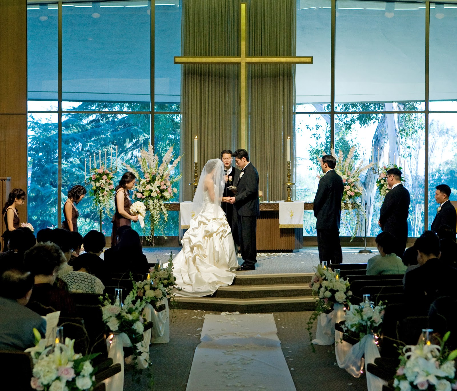 Declining Numbers In Catholic Church Wedding