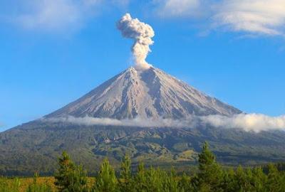 Gunung Tertinggi Di Pulau Jawa