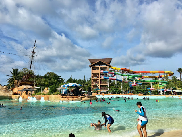 Seven Seas Water Park is just a few minutes away from Cagayan de Oro City. Actual address is Barra, Opol, Misamis Oriental.