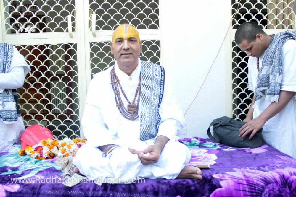 lord krishna radha temple