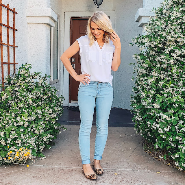 Light jeans with white blouse and leopard shoes