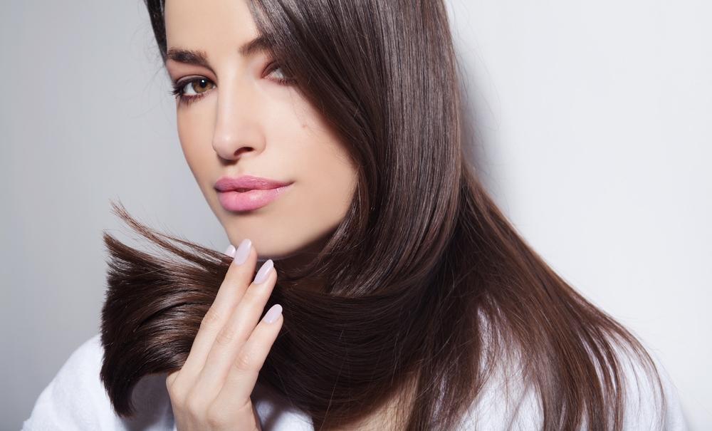 5 Cara Menghaluskan Rambut Kering dan Kasar