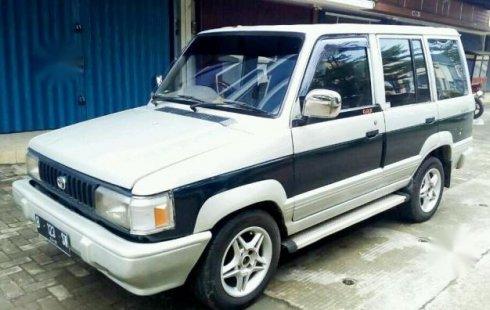 Mobil Toyota Kijang Rover