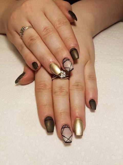 Carolane de Zayna ongles et cils