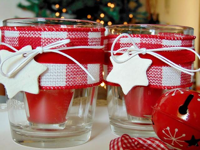 χριστουγεννιάτικη-κορδέλα-και-στολίδια