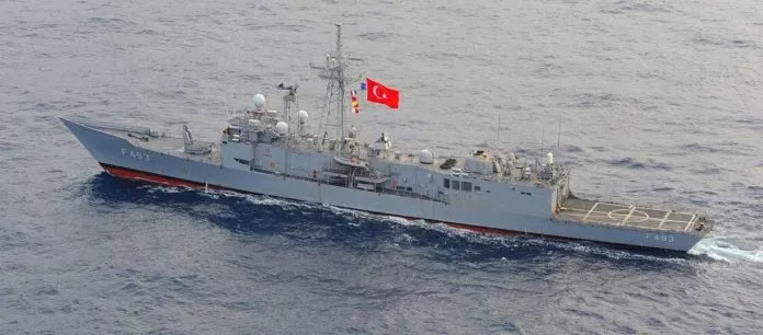 Απίστευτο – Ελληνικό πολεμικό πλοίο ανεφοδίασε τουρκική φρεγάτα έξω από τη Κύπρο