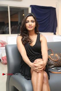 Telugu Actress Kamna Singh Stills in Black Dress at Bharat Thakur Art Exhibition Launch  0146.jpg
