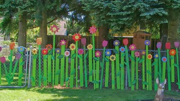 The Art Of Up Cycling Garden Fencing Ideas Crazy Random