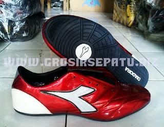 Sepatu futsal dan sport Diadora