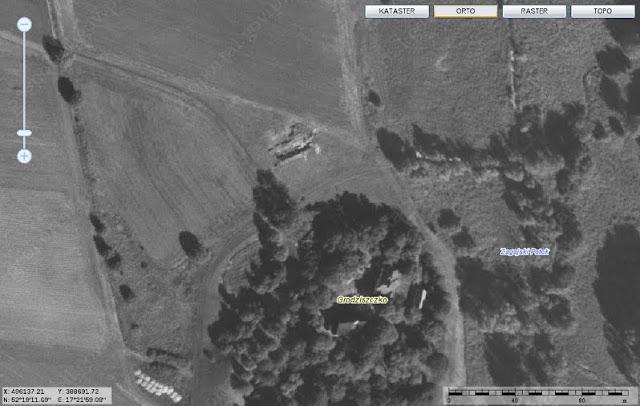 Cmentarzysko koło grodziska w Gieczu, datowane na wczesne średniowiecze - zdjęcie satelitarne z geoportalu
