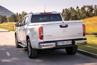 Mercedes-Benz X 350 d 4Matic Power Double Cab (2019) Rear Side