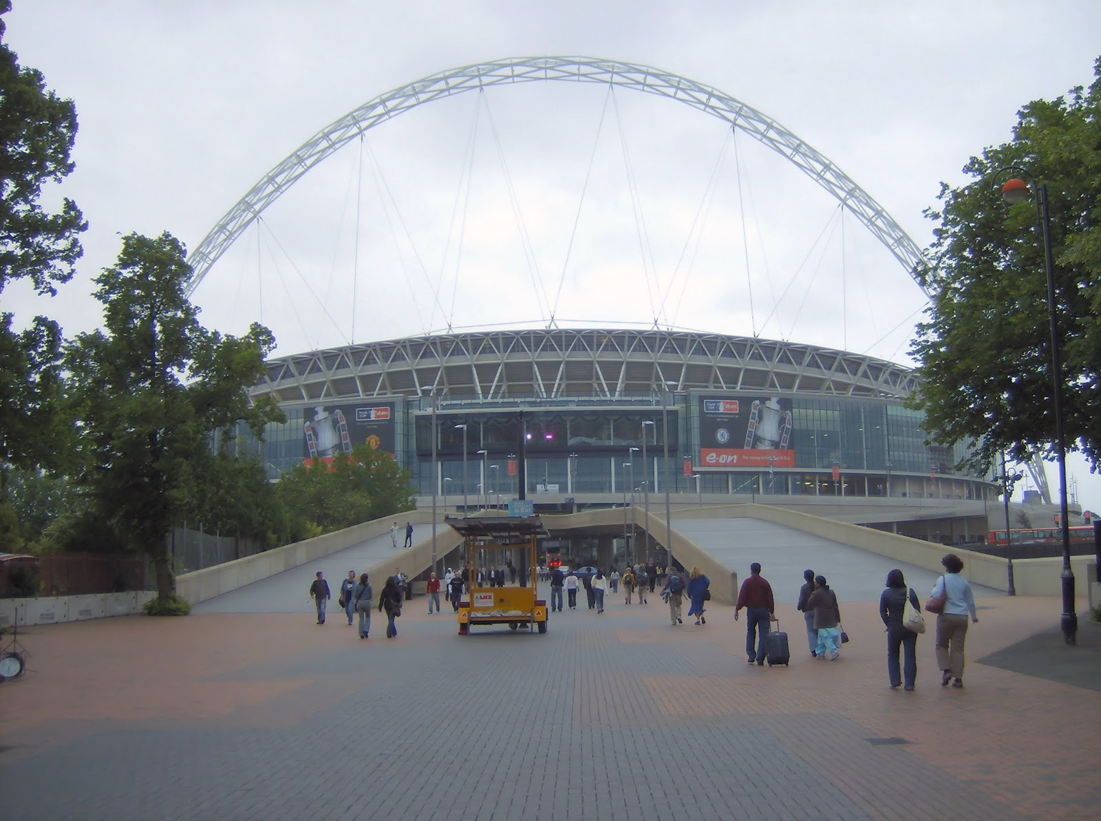 FULL WALLPAPER: 10. Wembley Stadium (90,000