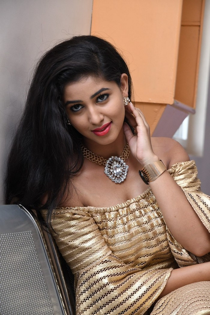 Pavani Reddy Latest Golden Suit Photo Gallery