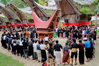 Bahasa di Toraja