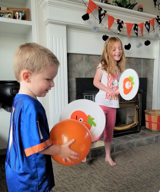 Be the star of your next Halloween party with this quick Halloween pumpkin game.  Make a pumpkin paddle game for the classroom party or just to play at home.