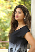 Karuna photos in jeans-thumbnail-2