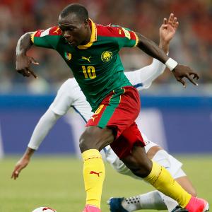 El gol de Vincent Aboubakar no fue suficiente para mantener con vida a Camerún, pero si para obligar a Nigeria a esperar