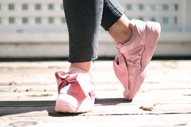 puma, Rihanna, pink bow sneakers, womens footwear, satin, fashion blogger