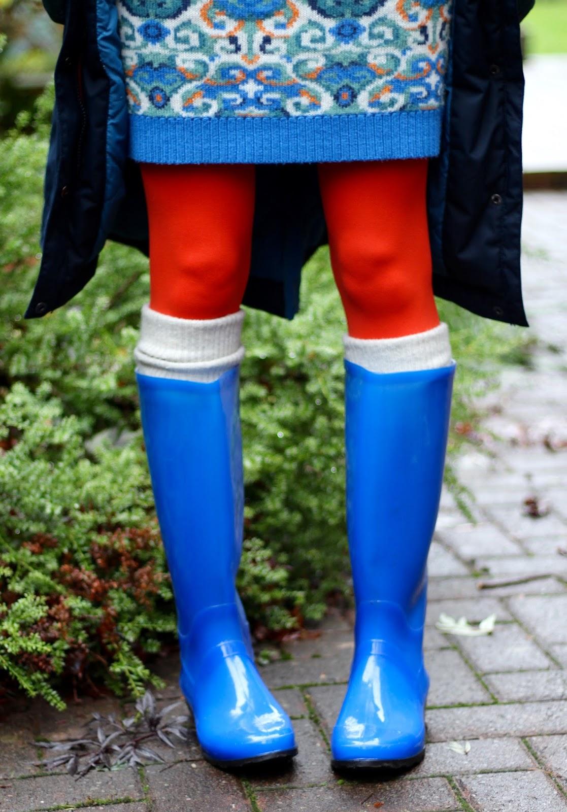 Wellies and orange tights | Fake fabulous