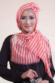 Shafeeya Kerudung Rawis Motif Jehan - Salem