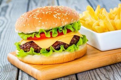 Fakta Di Balik Lezatnya Makanan Restoran FastFood