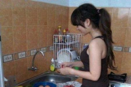 قصة الخادمة التى احبت صاحب المنزل وهذا مافعلته باولاده