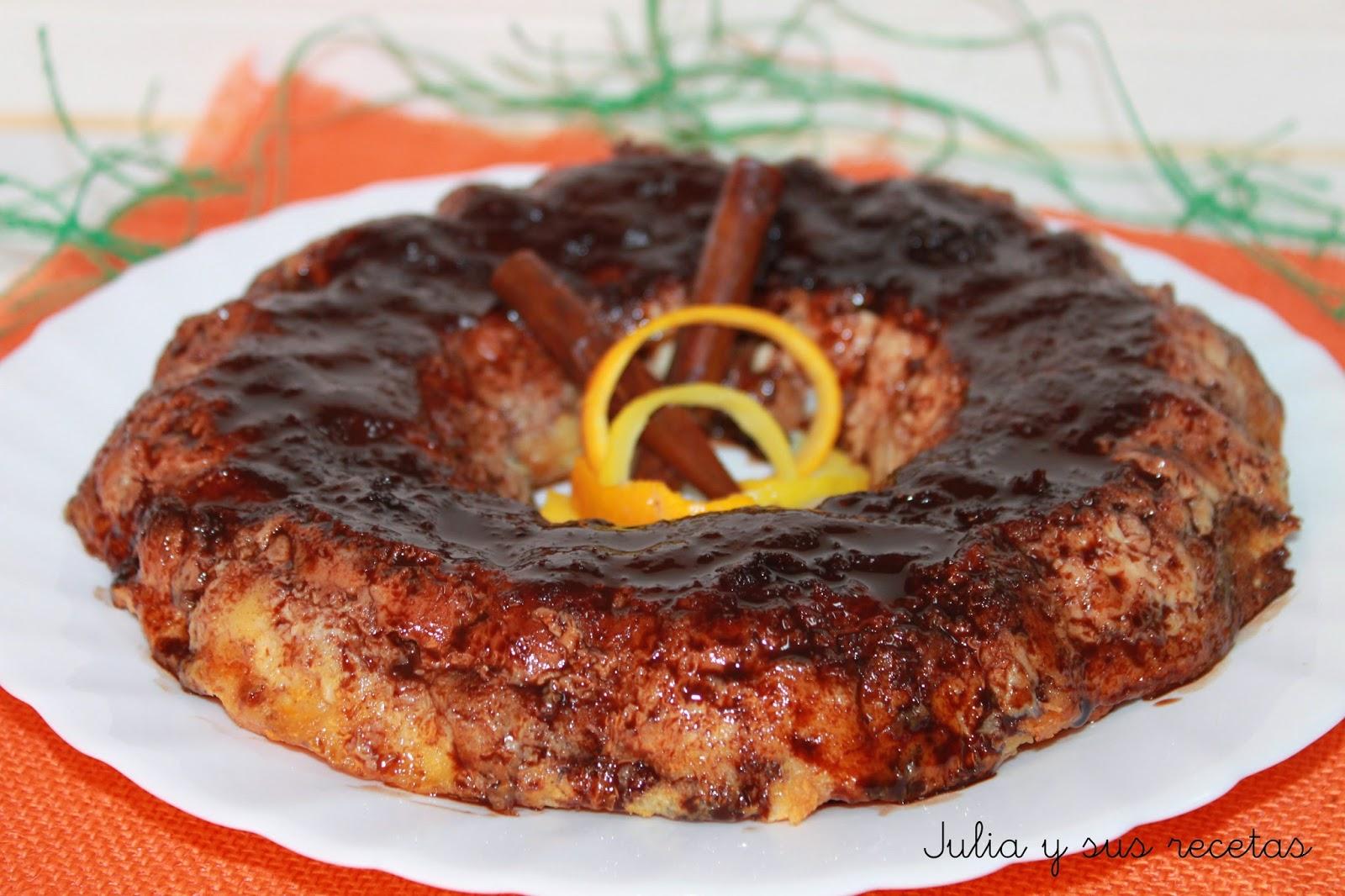 Pudin de pan con sirope de chocolate. Julia y sus recetas