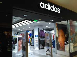 Local Adidas NuevoCentro Shopping