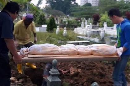 Hukum Menunda Pemakaman Jenazah Sebab Menunggu Keluarganya