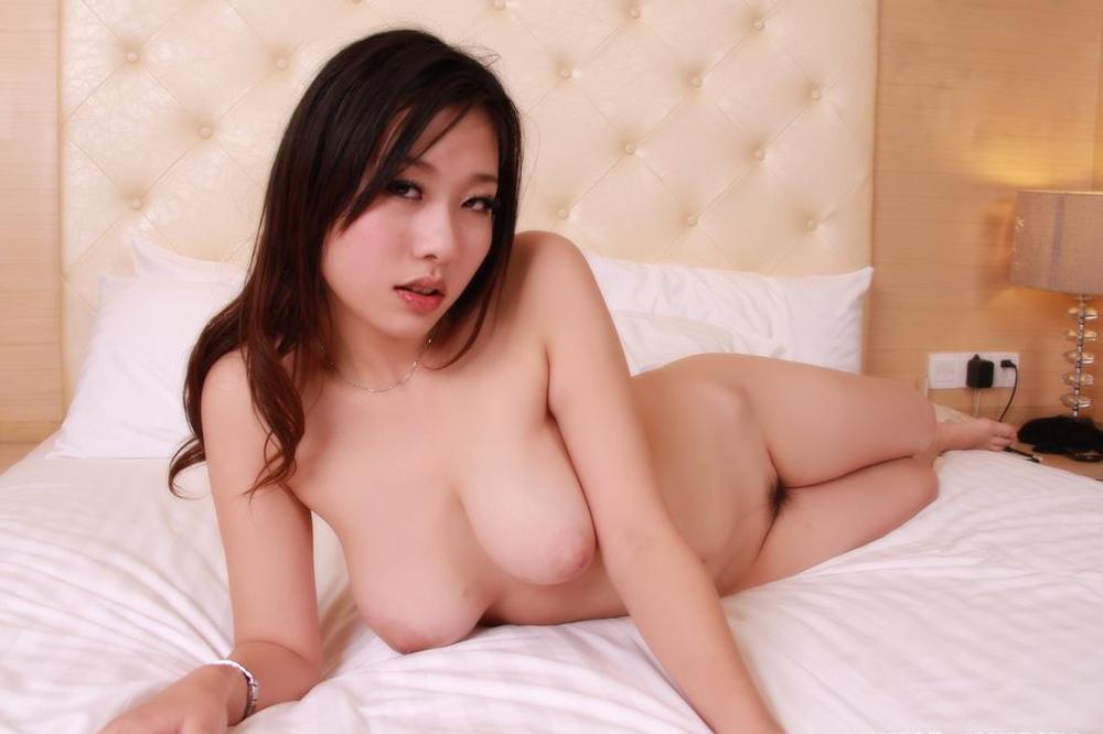 Naked Asian Model With Big Boobs On Display  Fuckzecom -1059