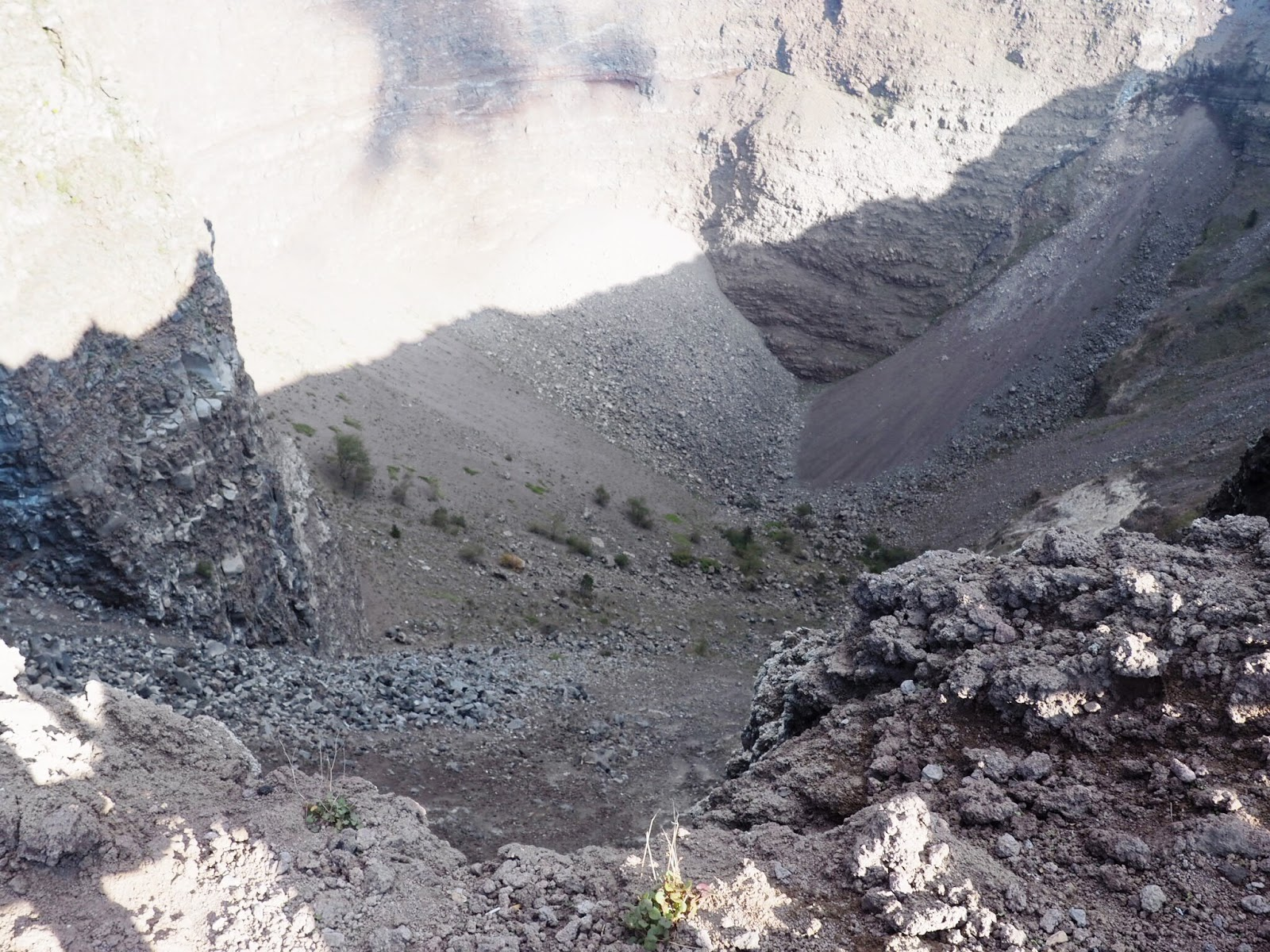 Travel Diary of Naples: Climbing Mt. Vesuvius Volcano | Robyn Bates