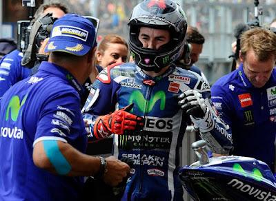 Lorenzo Ingin Kembali ke Movistar Yamaha?