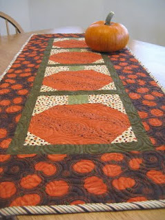 halloween table runner free pattern at jou0027s country junction