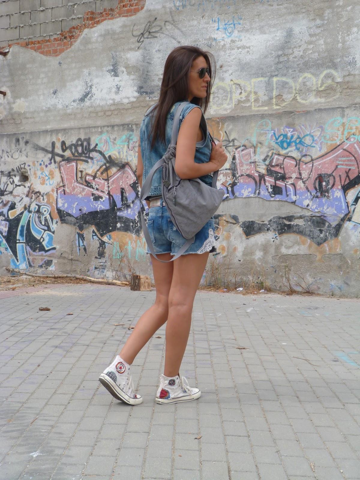 cobertura estornudar Ajustarse  los mil y un estilos by Soraya: Denim y mochila.